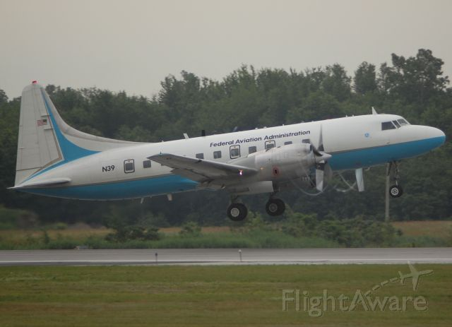 CONVAIR CV-580 (N39) - N39 departing to KACY