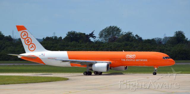 Boeing 757-200 (OE-LFB)