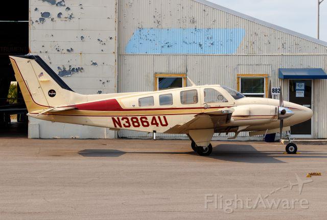 Beechcraft Baron (58) (N3864U)