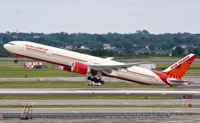BOEING 777-300 (VT-ALX)