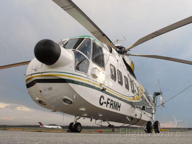 Sikorsky Sea King (C-FRMH) - Sikorsky spending the night in TLH.