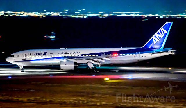 Boeing 777-200 (JA709A)