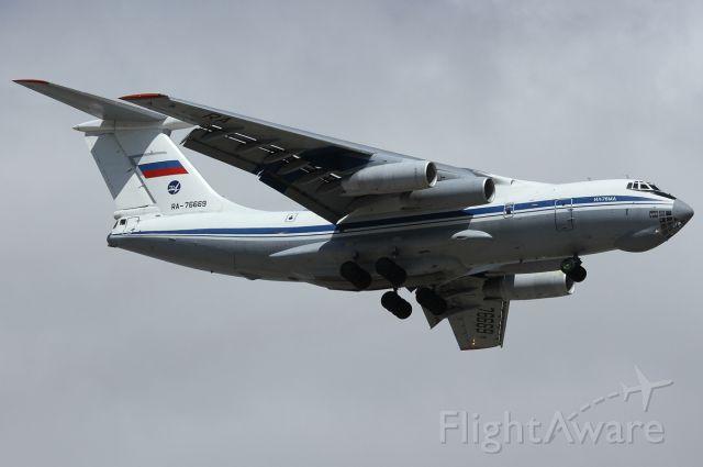 Ilyushin Il-76 (RA-76669)