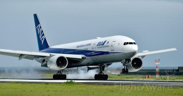 Boeing 777-200 (JA708A)