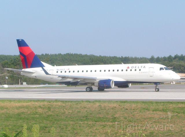 Embraer 170/175 (N639CZ)