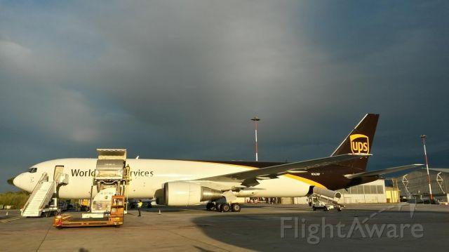BOEING 767-300 (N363UP) - B767-300F