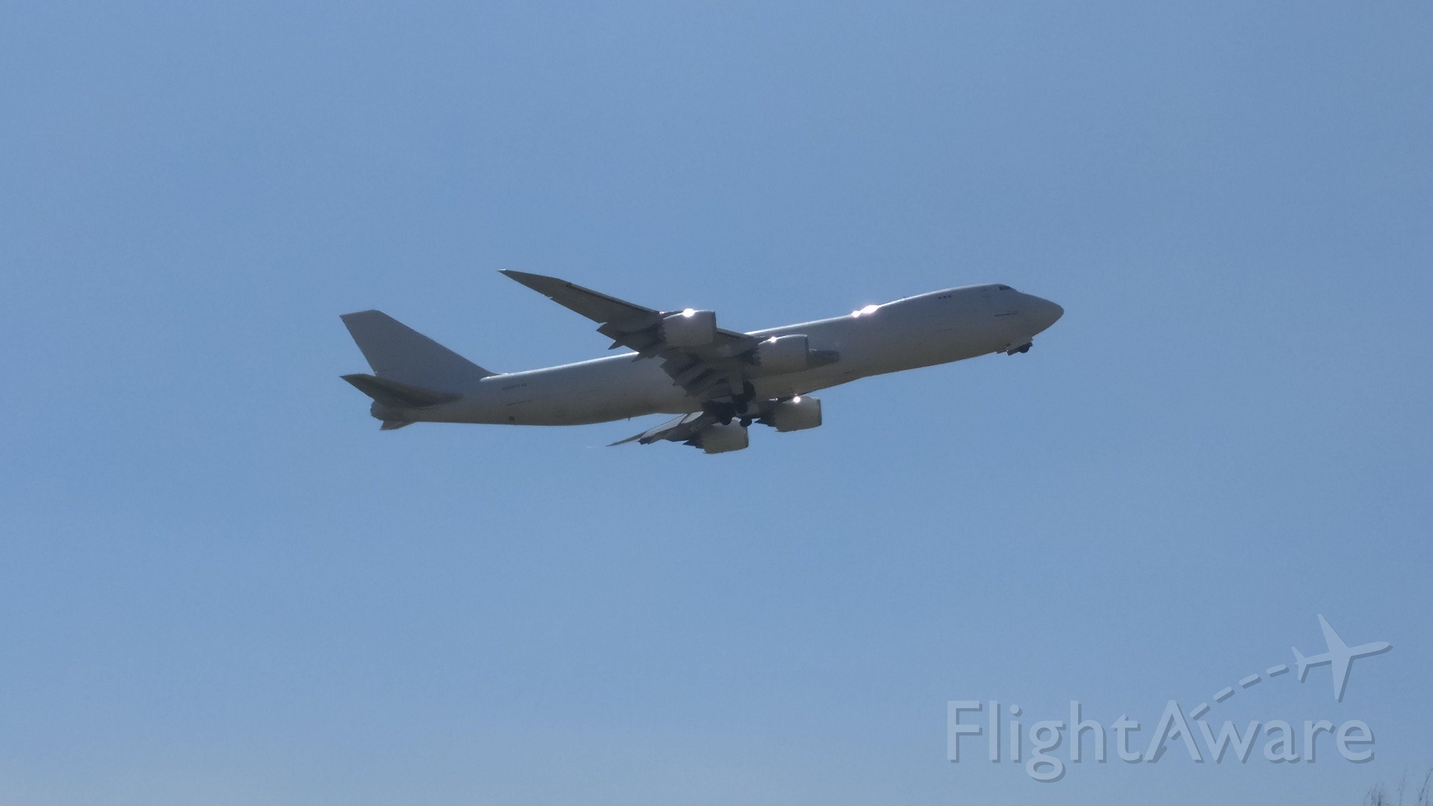 BOEING 747-8 (N859GT) - NO ACOSTAMENTO DA RODOVIA SANTOS DUMONT, PRÓXIMO A CABECEIRA EM VCP (SBKP)