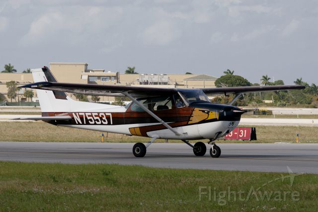 Cessna Skyhawk (N75537)