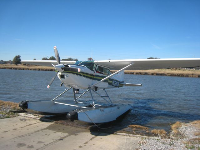 Cessna Skywagon 180 (N6860N) - N6860N on the Ramp at Southern Seaplane