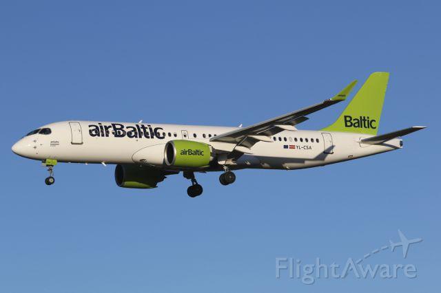 Airbus A220-300 (YL-CSA)