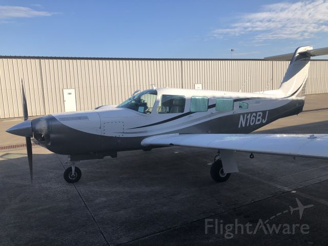 Piper Lance 2 (N16BJ)