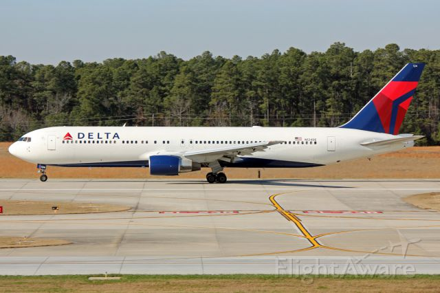BOEING 767-300 (N124DE) - Special and rare Delta 767 departing RDU.