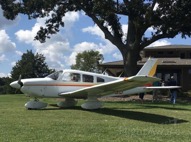 Piper Cherokee (N2842D)