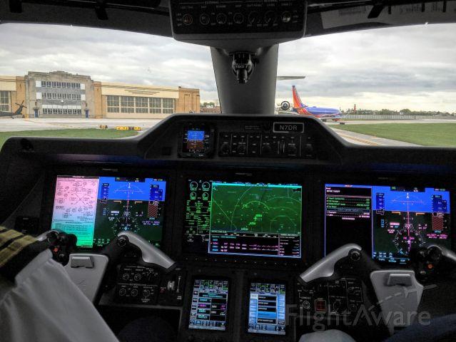 Embraer Phenom 300 (N7DR) - Phenom 300 at Chicago, Midway