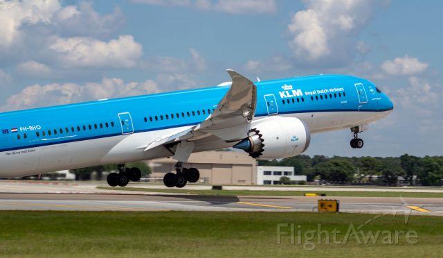 Boeing 787-8 (PH-BHO) - Beautiful plane!