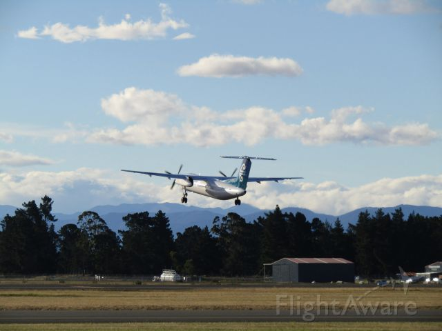 de Havilland Dash 8-300 (ZK-NEJ)