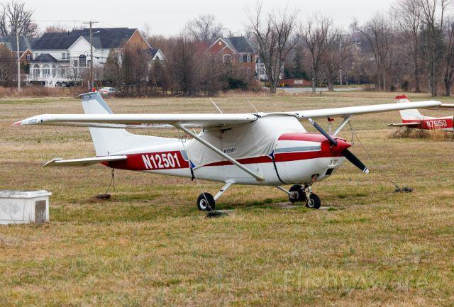 Cessna Skyhawk (N12501)