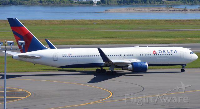 BOEING 767-300 (N1605)