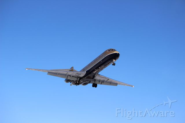 McDonnell Douglas MD-80 (VP-CNI)