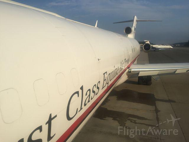 Boeing 727-100 (N725CK) - Door closed, ready to depart.