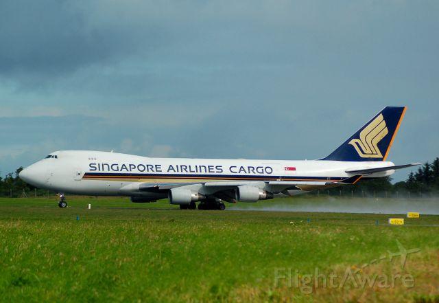 Boeing 747-400 (9V-SFG) - Departing Shannon