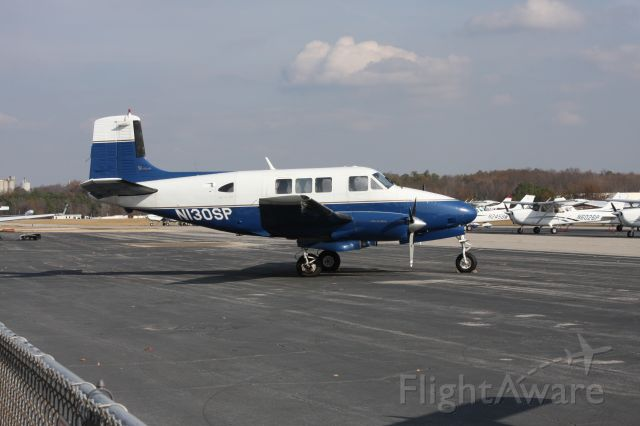 Beechcraft Queen Air (65) (N130SP)
