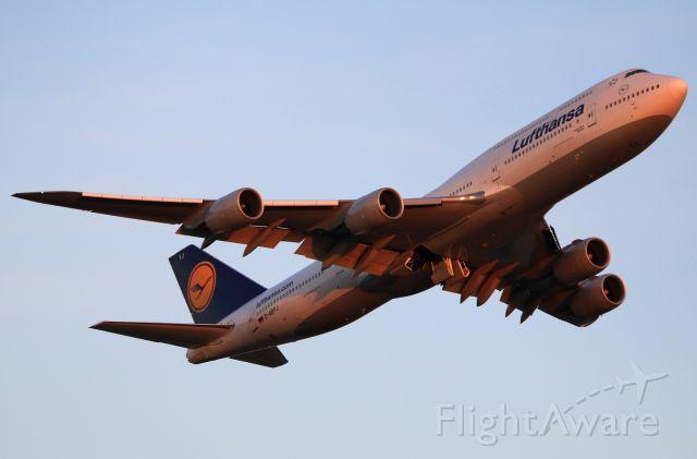 BOEING 747-8 (D-ABYJ)