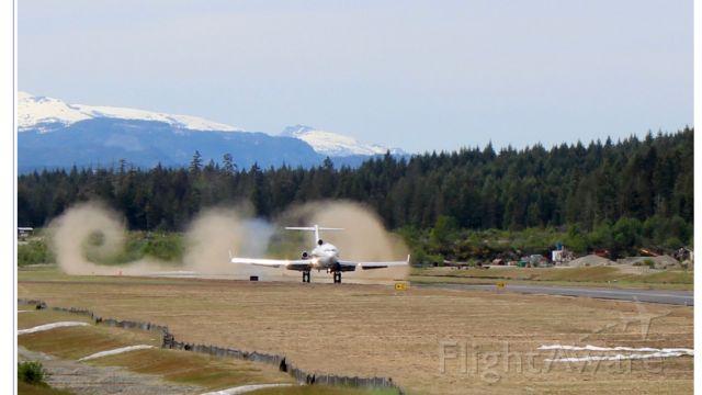 Boeing 727-100 (N606DH) - Final Landing for N606DH
