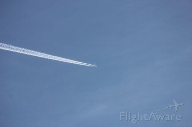 BOEING 777-300ER (UAE211) - UAE211 37000ft 1855Z 49.2N -97.18W
