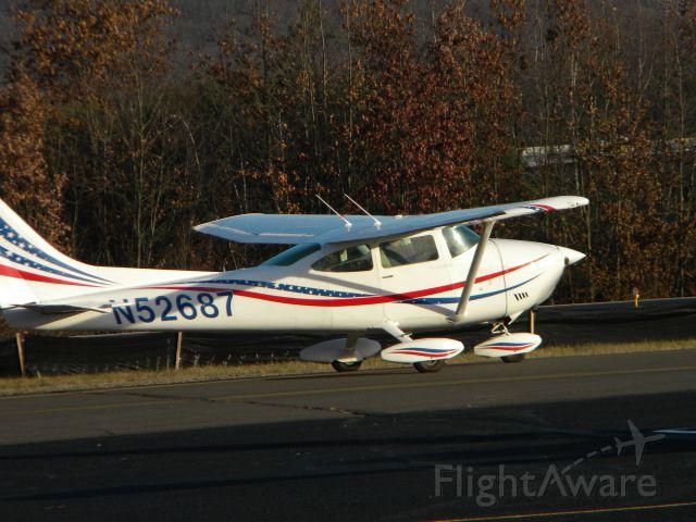 Cessna Skylane (N52687)