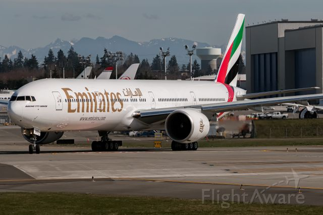 Boeing 777-200 (A6-ENO) - The newest machine in the already massive Emirates fleet of 777's delivered.