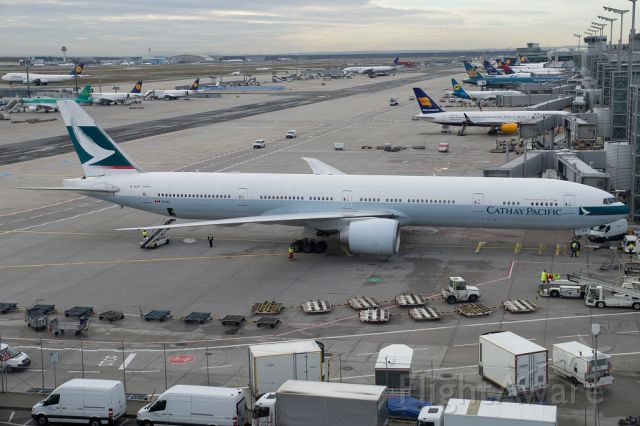 BOEING 777-300ER (B-KPA) - Overview of Frankfurt Airport