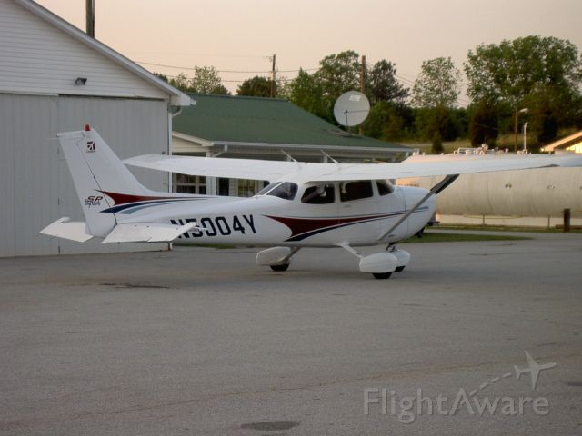 Cessna Skyhawk (N5004Y)