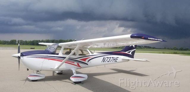 Cessna Skyhawk (N737HE)
