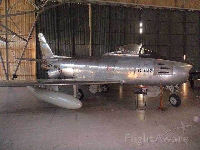 C122 — - North American F-86 Sabre (Museo Nacional de Aeronáutica / Morón - Argentina)