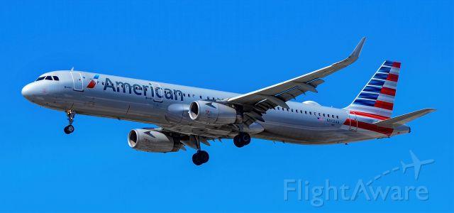 Airbus A321 (N902AA) - N902AA American Airlines Airbus A321-231 s/n 7519 - Las Vegas - McCarran International Airport (LAS / KLAS)<br />USA - Nevada April 30, 2021<br />Photo: Tomás Del Coro