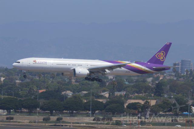 BOEING 777-300ER (HS-TKL)