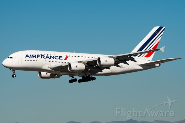 "Airbus A380-800 (F-HPJJ) - Full Photo: <a rel=""nofollow"" href=""http://www.jetphotos.net/photo/8160900"">http://www.jetphotos.net/photo/8160900</a>"