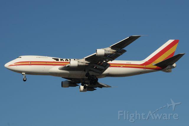 Boeing 747-200 (N795CK) - A rare treat anymore. Shot on 11-30-13 landing 28-C at KORD, Boeing 747-200! ex-NWA 747-251 N631US/N631NW