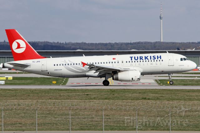 Airbus A320 (TC-JPR)