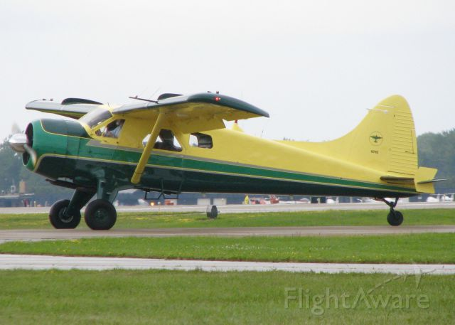 De Havilland Canada DHC-2 Mk1 Beaver (N28S) - AirVenture 2016. You can see Mr. Fords beard.