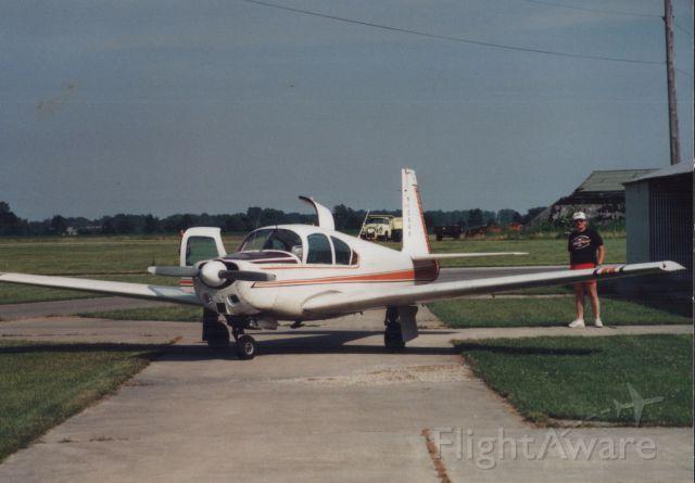 Mooney M-20 (N1094B)