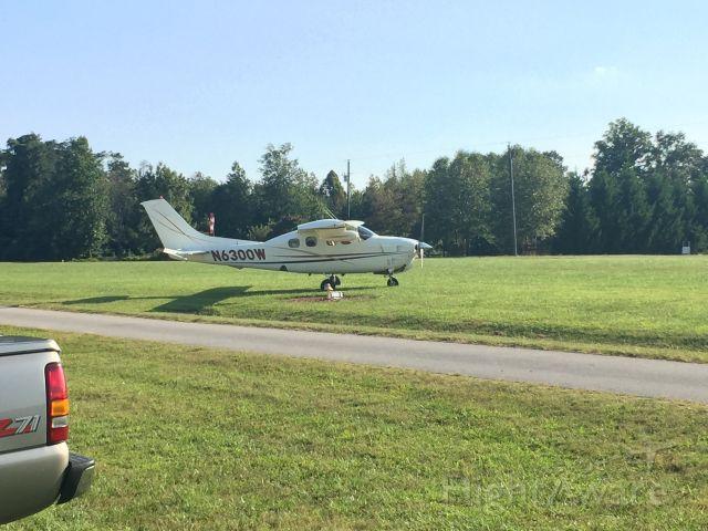 Cessna P210 Pressurized Centurion (N6300W)