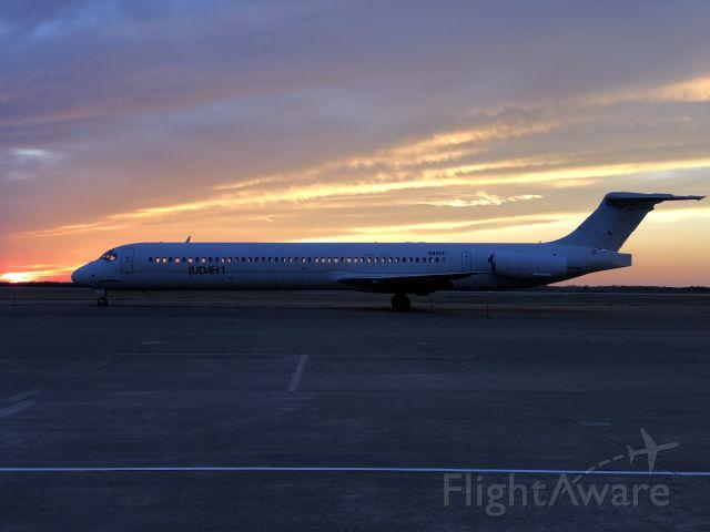 McDonnell Douglas MD-83 (N83GF)