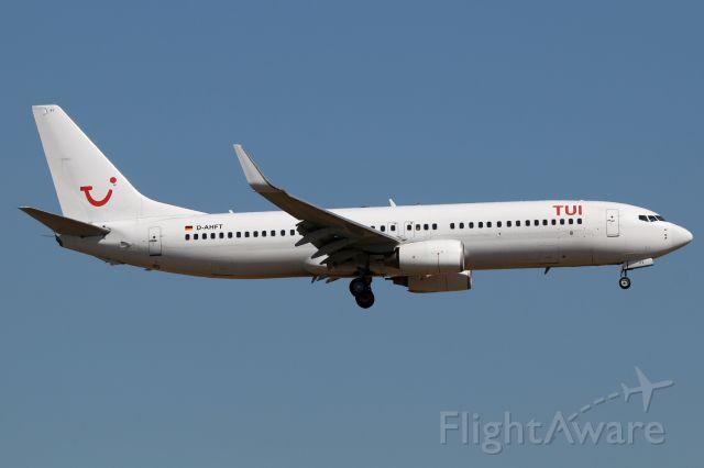 Boeing 737-800 (D-AHFT)