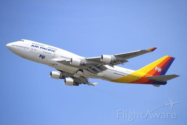 Boeing 747-400 (DQ-FJL)