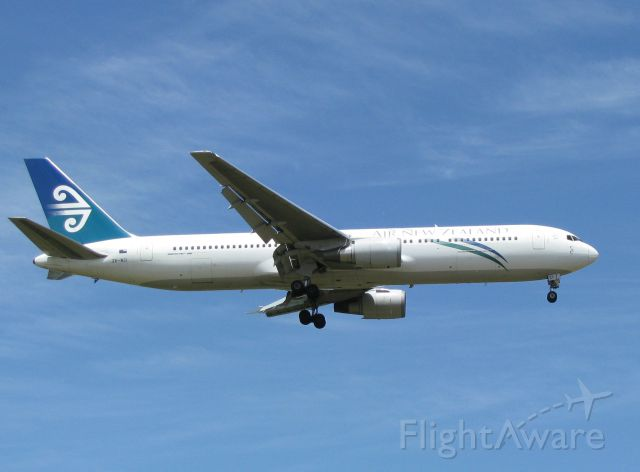 BOEING 767-300 (ZK-NCI) - Before it got its new winglets!