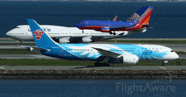 Boeing Dreamliner (Srs.8) (B-2735) - Just your average day at SFO!