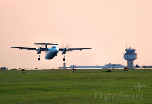 de Havilland Dash 8-100 (C-GJIG) - Bound for Montreal.