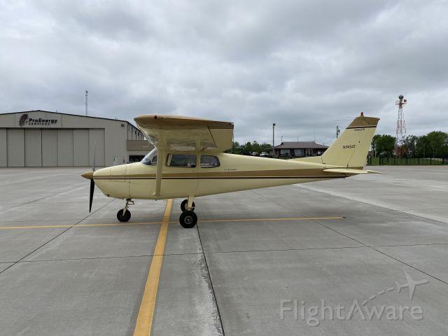 Cessna Skyhawk (N7454T)